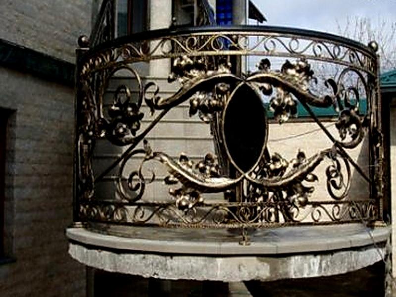 Кованые балконные ограждения N 4100