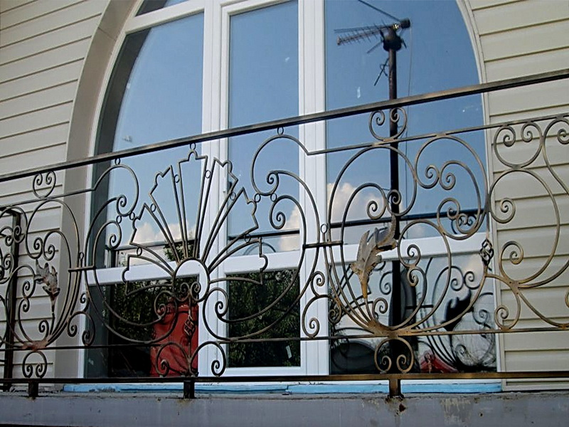 Кованые балконные ограждения N 4110