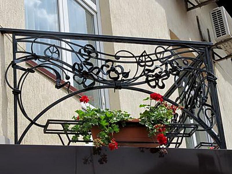 Кованые балконные ограждения N 4136