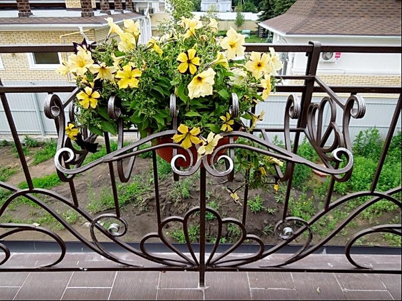 Кованые цветочницы N 12082