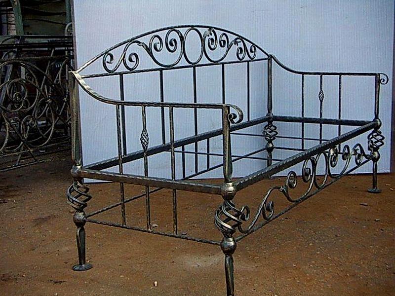 Кованый диван N 15048