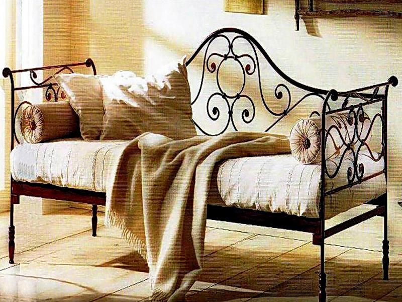 Кованый диван N 15051