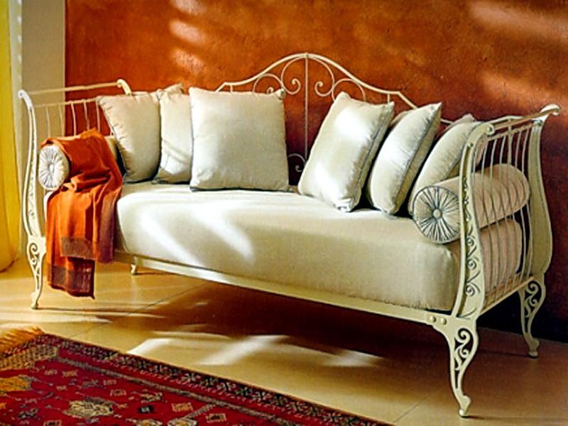 Кованый диван N 15072