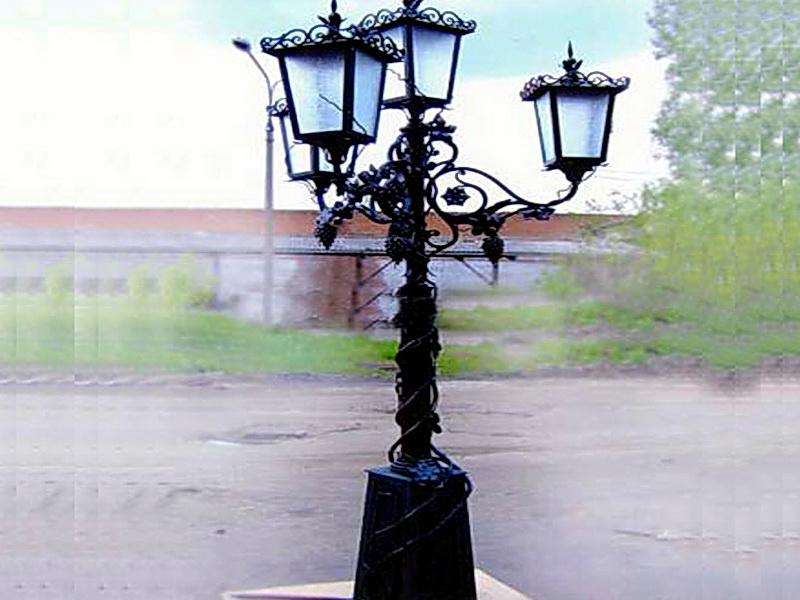 Кованый фонарь N 10010