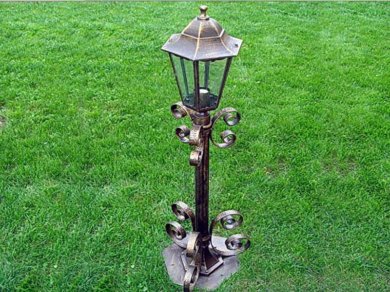Кованый фонарь N 10018