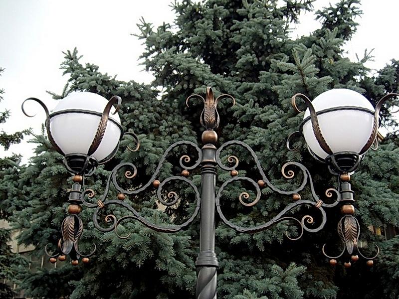 Кованый фонарь N 10022