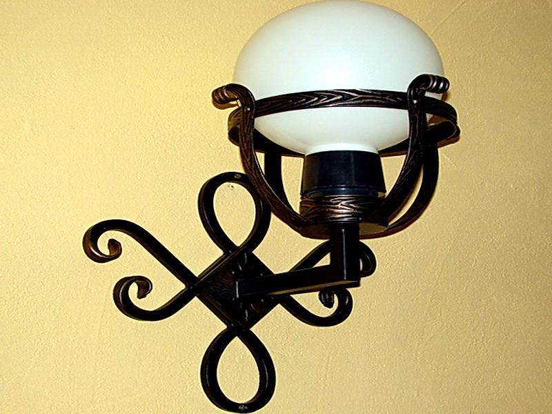 Кованый фонарь N 10025