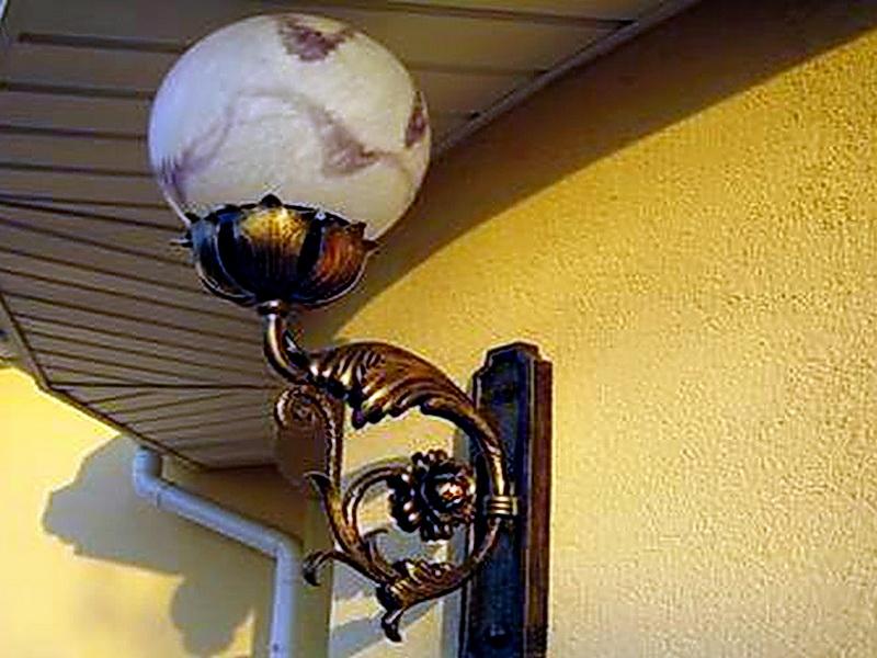 Кованый фонарь N 10027
