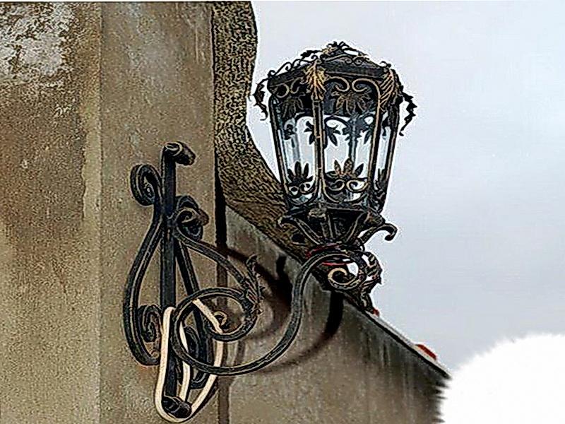 Кованый фонарь N 10042