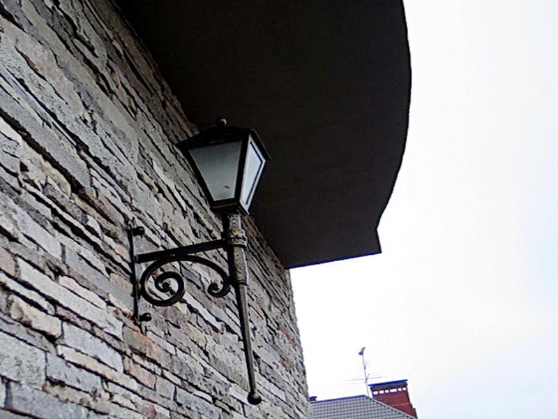 Кованый фонарь N 10074