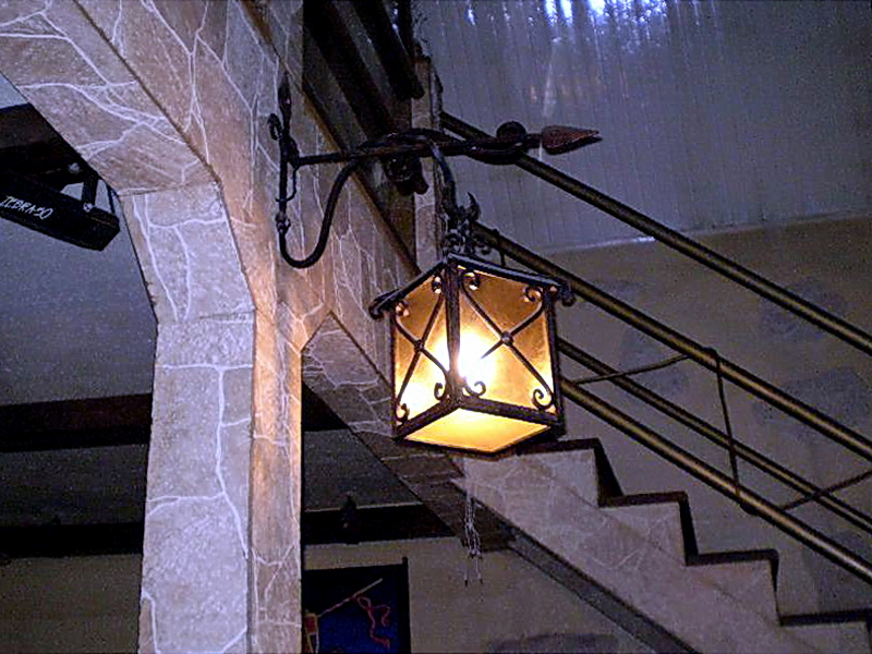Кованый фонарь N 10076