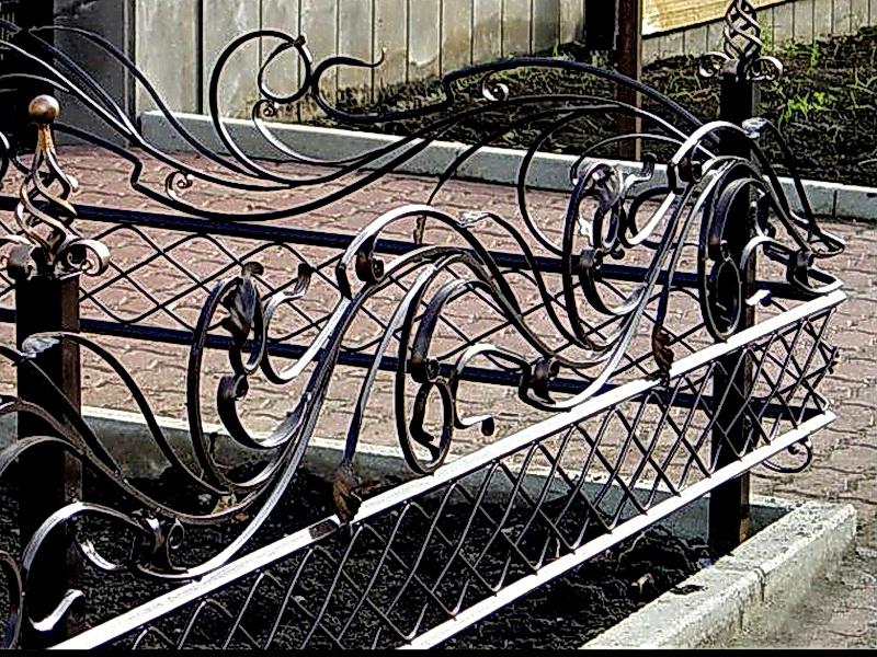 Кованые газонные ограждения N 4-4503