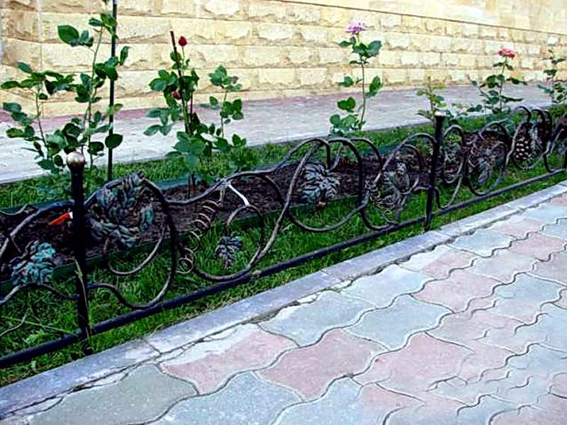 Кованые газонные ограждения N 4-4508