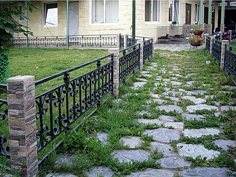 Кованые газонные ограждения N 4-4510