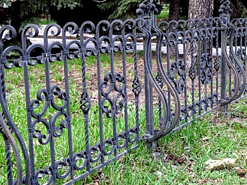 Кованые газонные ограждения N 4-4520