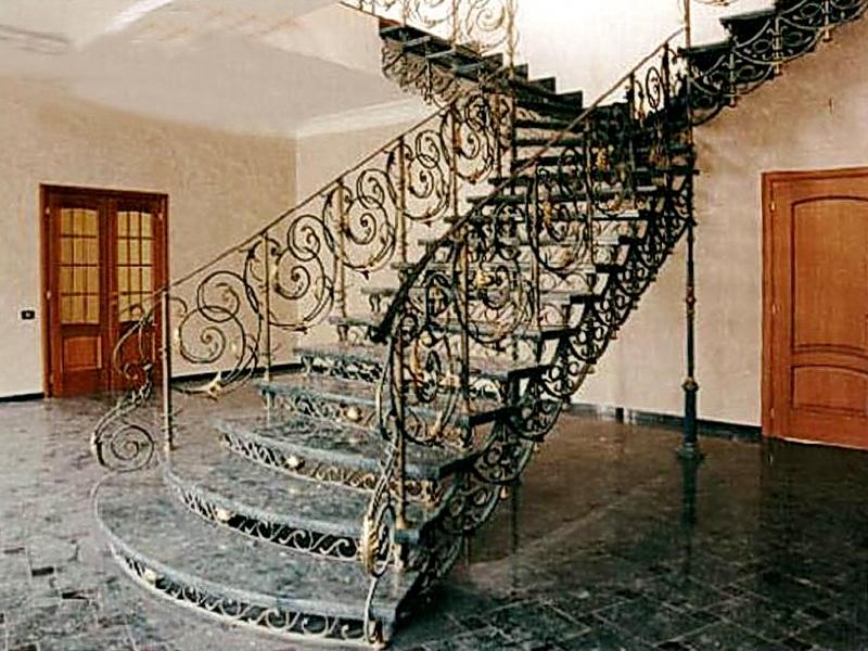 Кованая каркасная лестница N 3-4002