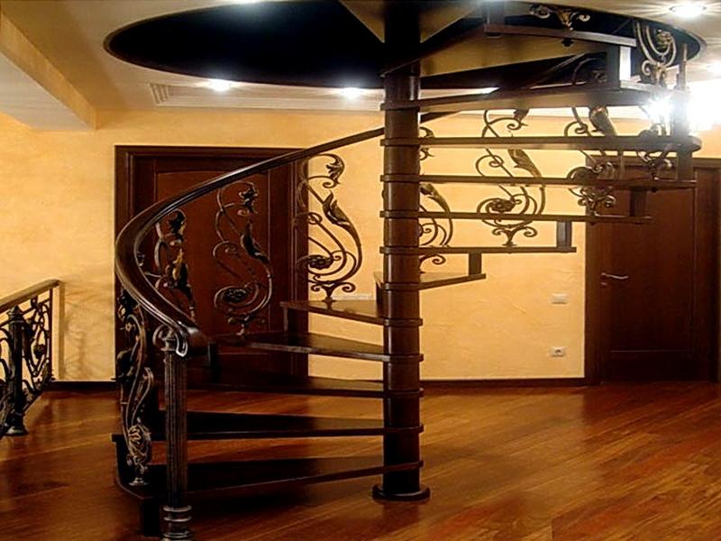 Кованая каркасная лестница N 3-4003