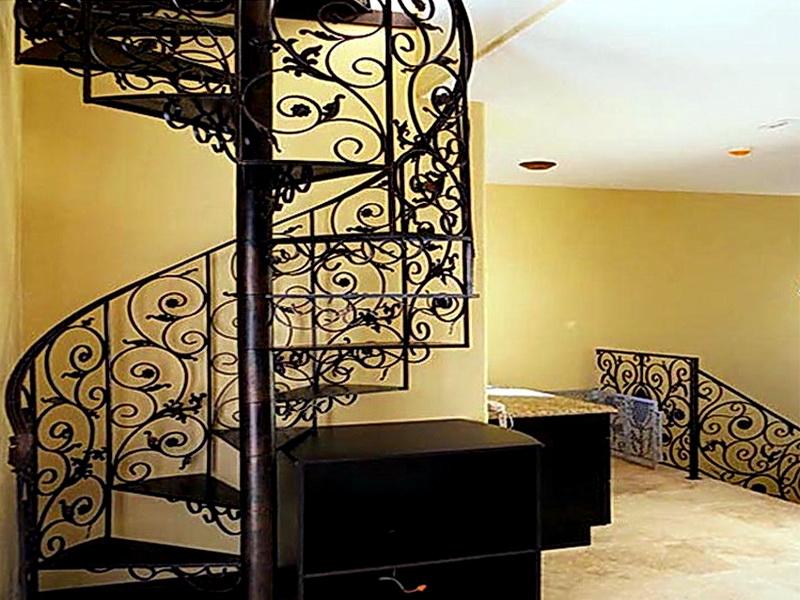 Кованая каркасная лестница N 3-4004