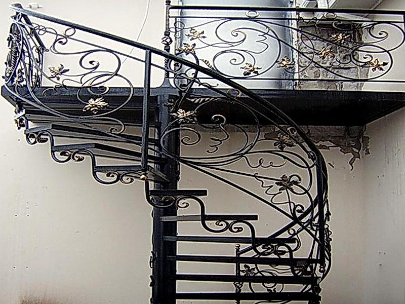 Кованая каркасная лестница N 3-4005