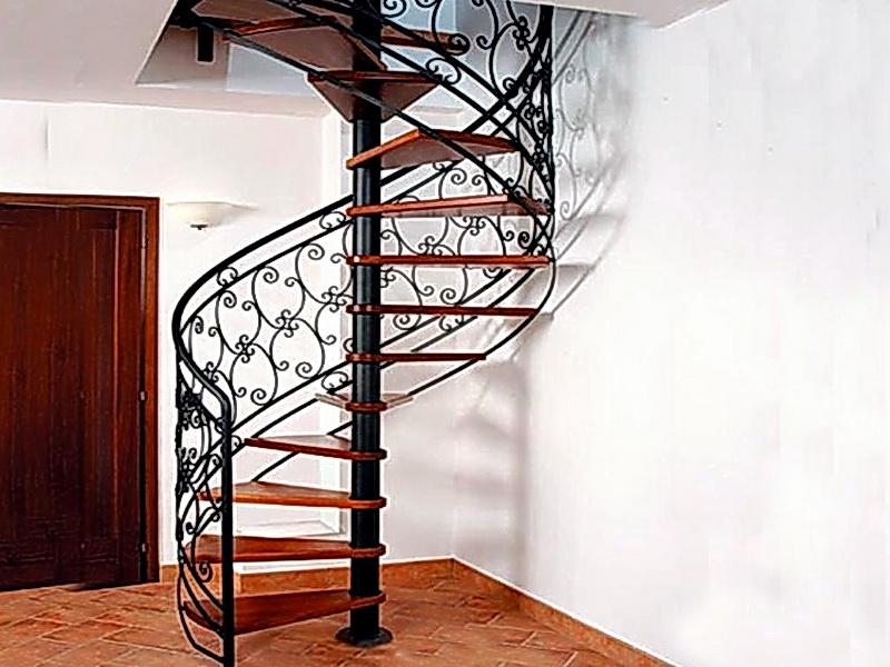 Кованая каркасная лестница N 3-4015