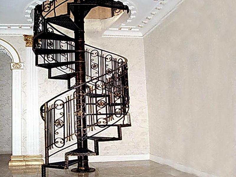 Кованая каркасная лестница N 3-4017