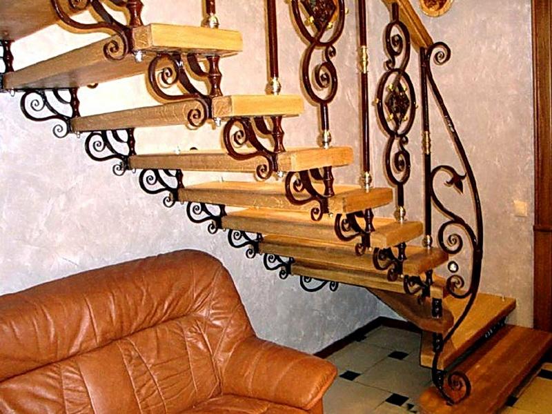 Кованая каркасная лестница N 3-4022