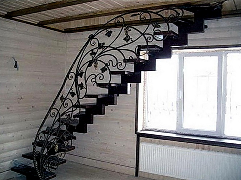 Кованая каркасная лестница N 3-4023