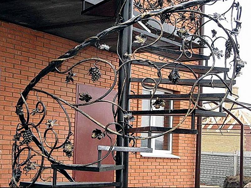 Кованая каркасная лестница N 3-4026