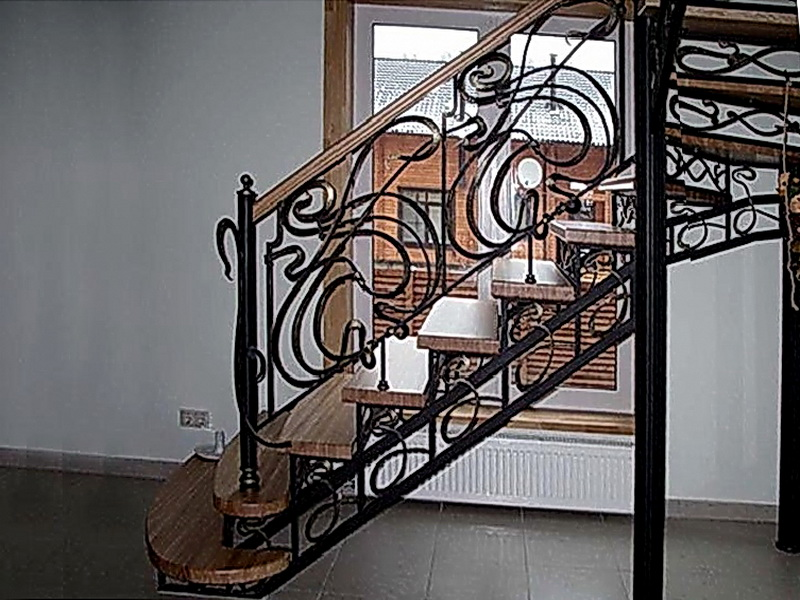 Кованая каркасная лестница N 3-4029