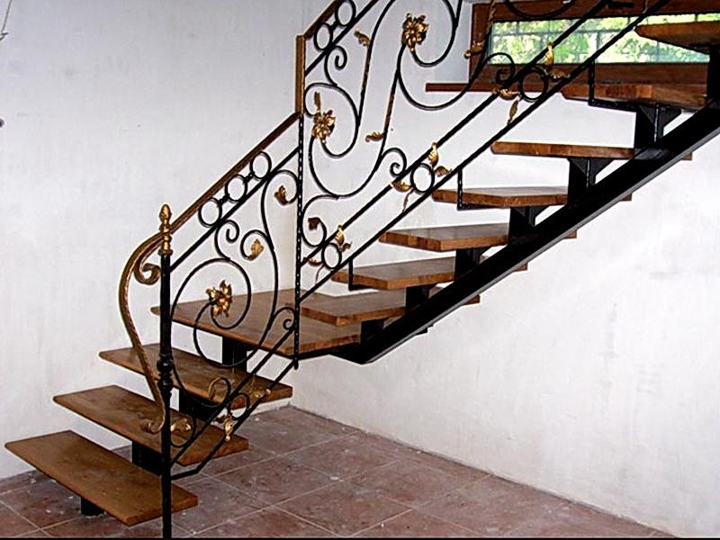 Кованая каркасная лестница N 3-4030