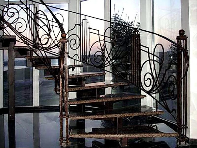 Кованая каркасная лестница N 3-4032