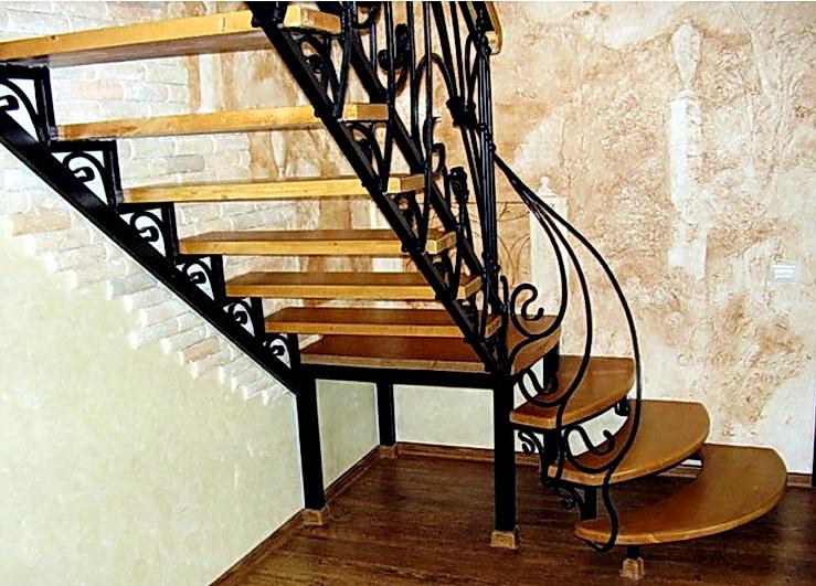 Кованая каркасная лестница N 3-4035