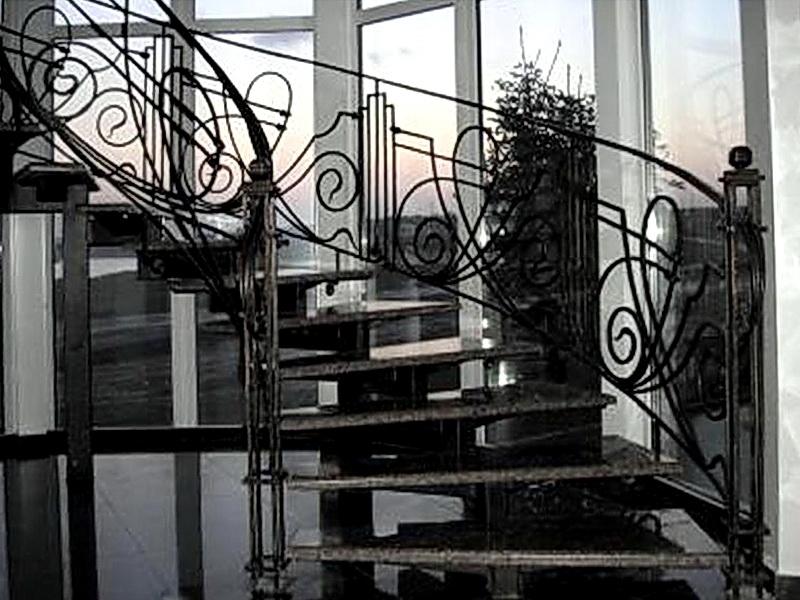Кованая каркасная лестница N 3-4036