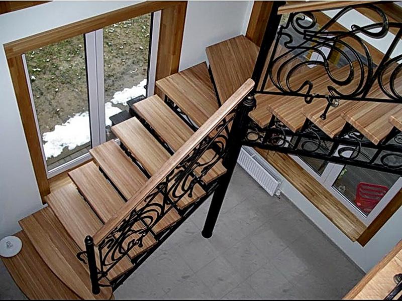 Кованая каркасная лестница N 3-4039