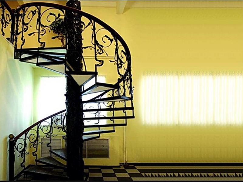 Кованая каркасная лестница N 3-4043