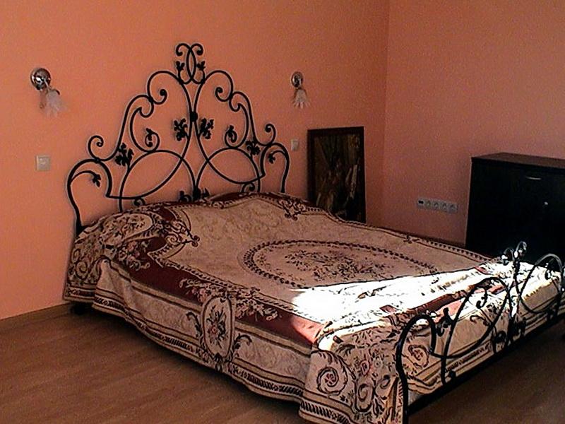 Кованая кровать N 10606