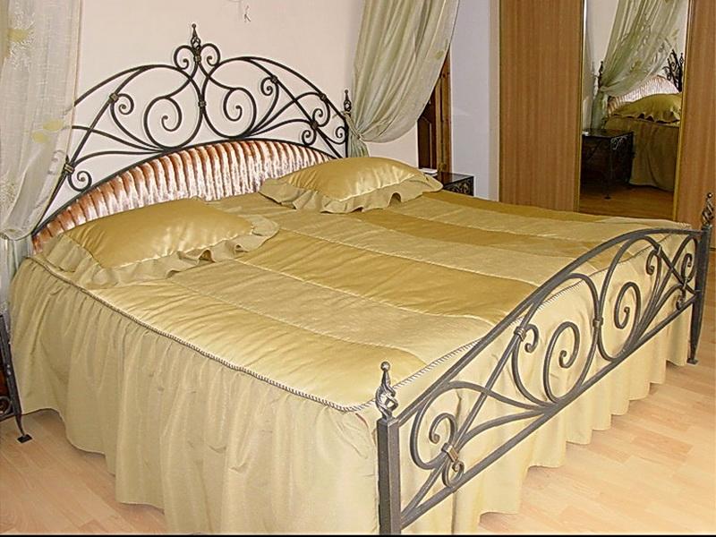 Кованая кровать N 10610