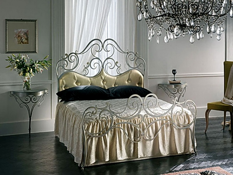 Кованая кровать N 10618
