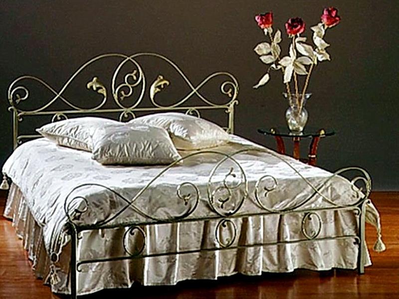 Кованая кровать N 10619