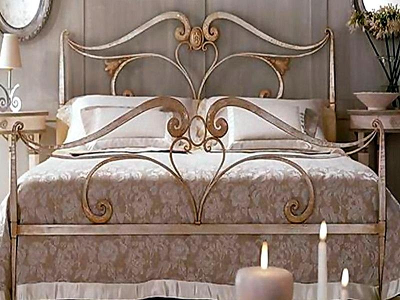 Кованая кровать N 10624