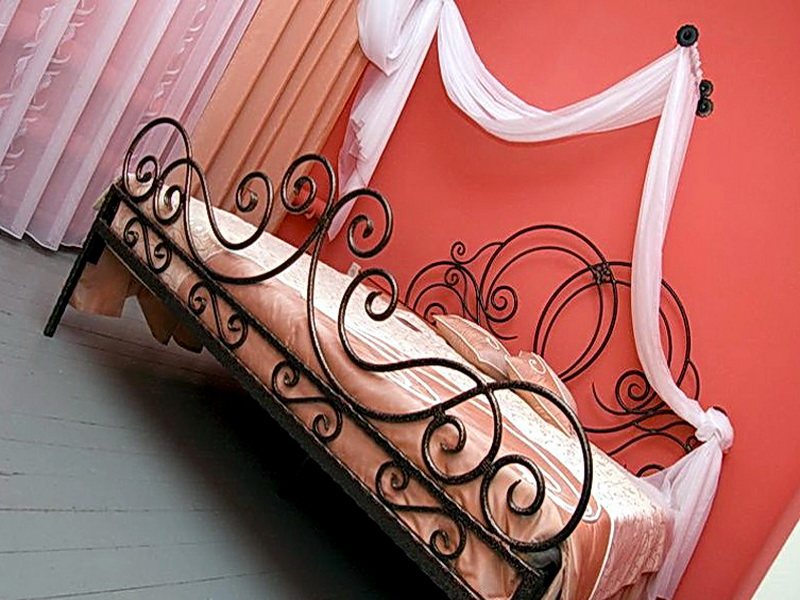 Кованая кровать N 10625