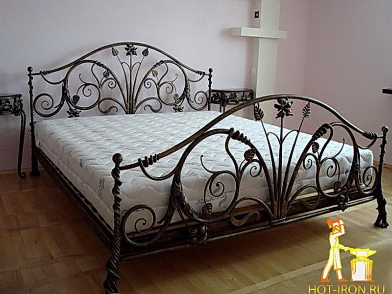 Кованая кровать N 10634