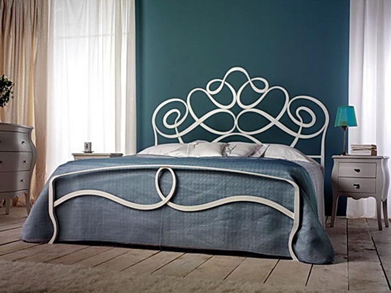 Кованая кровать N 10638