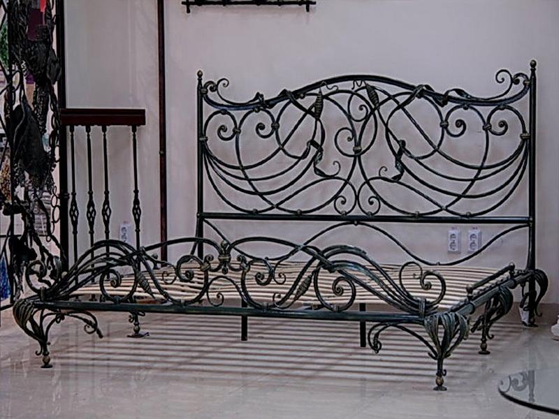 Кованая кровать N 10640