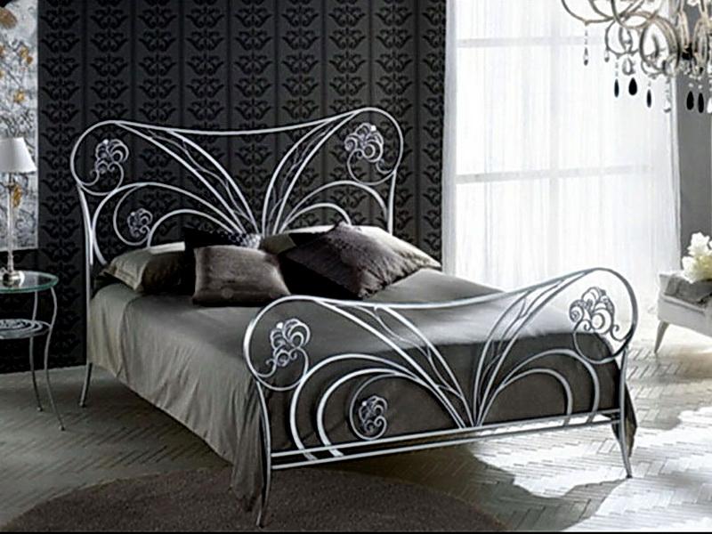 Кованая кровать N 10646