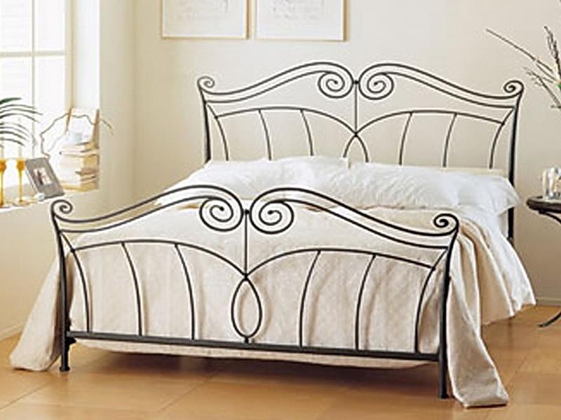 Кованая кровать N 10647