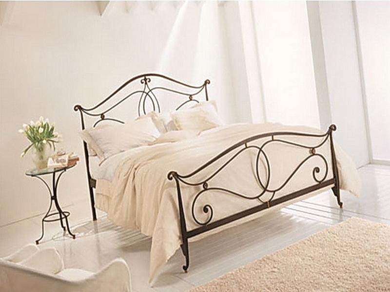Кованая кровать N 10648