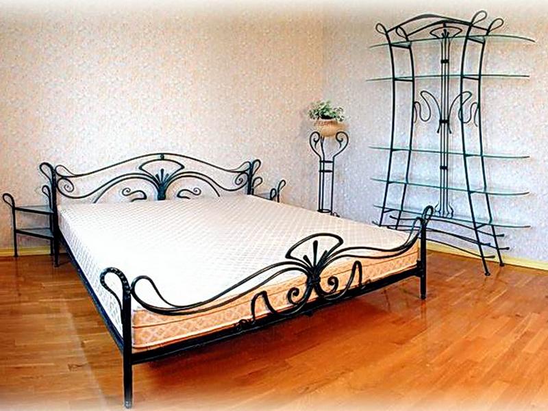 Кованая кровать N 10649