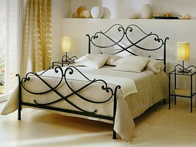 Кованая кровать N 10650