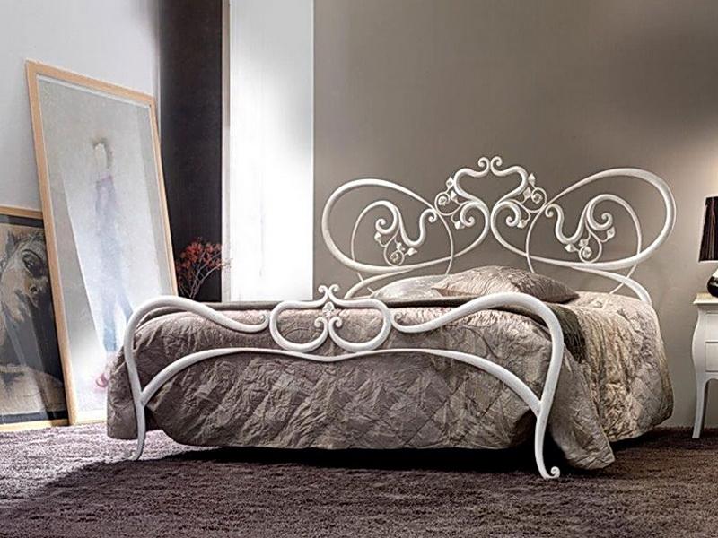 Кованая кровать N 10653
